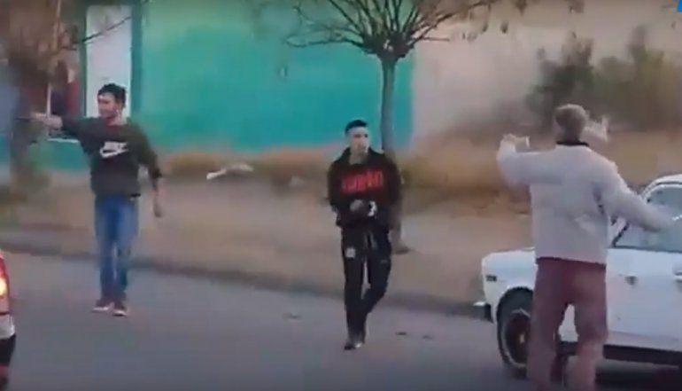 Salvaje pelea callejera dejó a un hombre en terapia intensiva con hundimiento de cráneo
