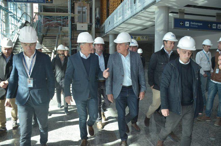 Mauricio Macri llegó a Jujuy, recorrió el aeropuerto, la ruta 34 y el ingenio La Esperanza
