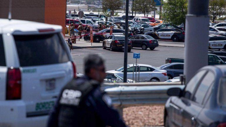 Varios muertos y decenas de heridos en un tiroteo en un centro comercial de Texas