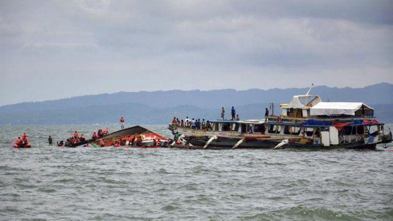 Al menos 16 personas murieron en el naufragio de tres barcos de pasajeros
