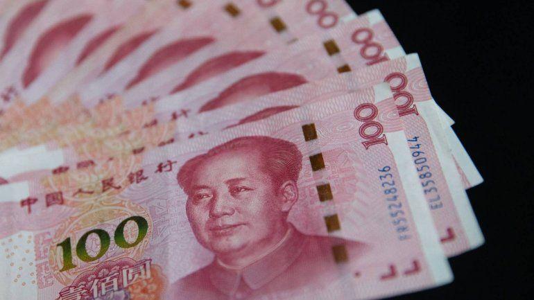 ¿Qué significa que China deprecie el yuan a su nivel más bajo en 11 años?