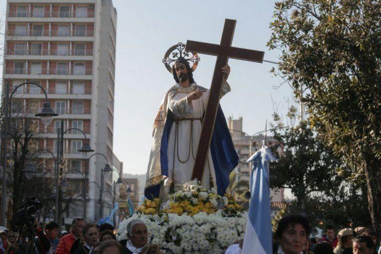 Día del Santísimo Salvador: misas, procesión y una serenata para el patrono de la ciudad
