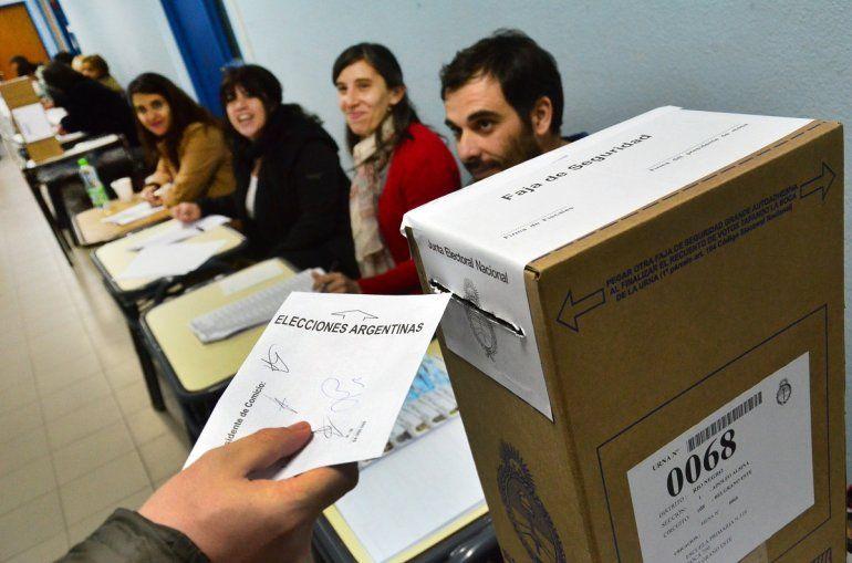 El lunes empieza el pago a autoridades de mesa de las elecciones provinciales