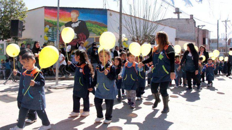 Misa, procesión y desfile para honrar a San Cayetano y festejar 50 años del barrio