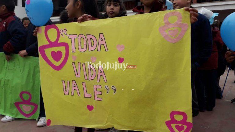 Estudiantes del FASTA marcharon en el día internacional por las dos vidas