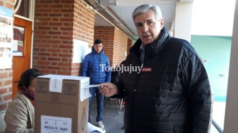 Carlos Haquim votando