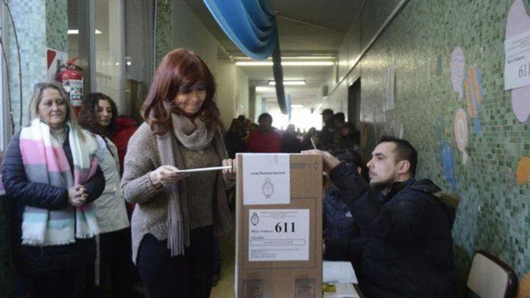 Cristina votó y se fue sin hablar con la prensa