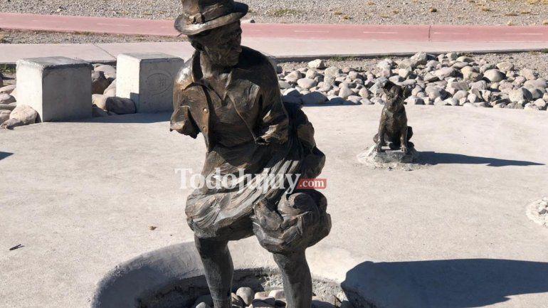 Vándalos rompieron las esculturas en el anfiteatro Las Lavanderas del parque Xibi Xibi