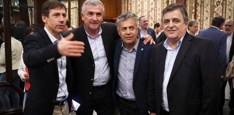 Cúpula radical con Morales