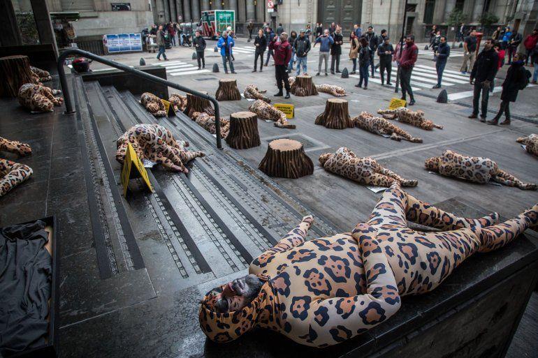 Activistas de Greenpeace hicieron un reclamo para salvar los últimos 20 ejemplares de yaguareté