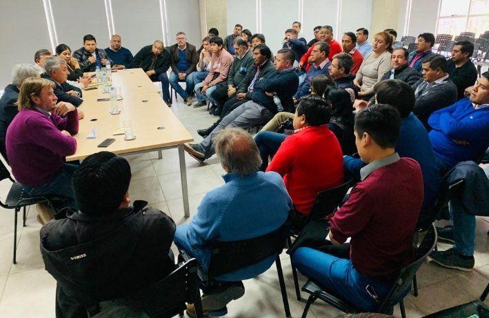 Recalculando: Morales se juntó con los intendentes para apuntalar la campaña de Macri