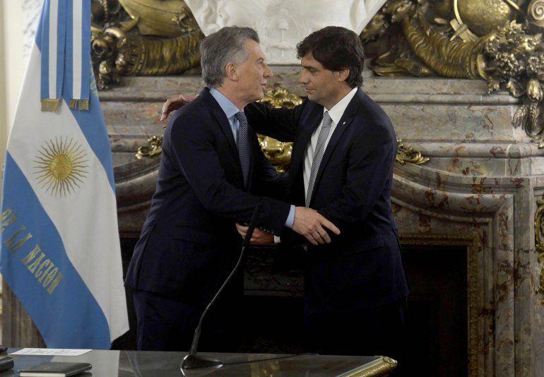 Macri le tomó juramento a Lacunza y pidió que su prioridad sea cuidar a los argentinos