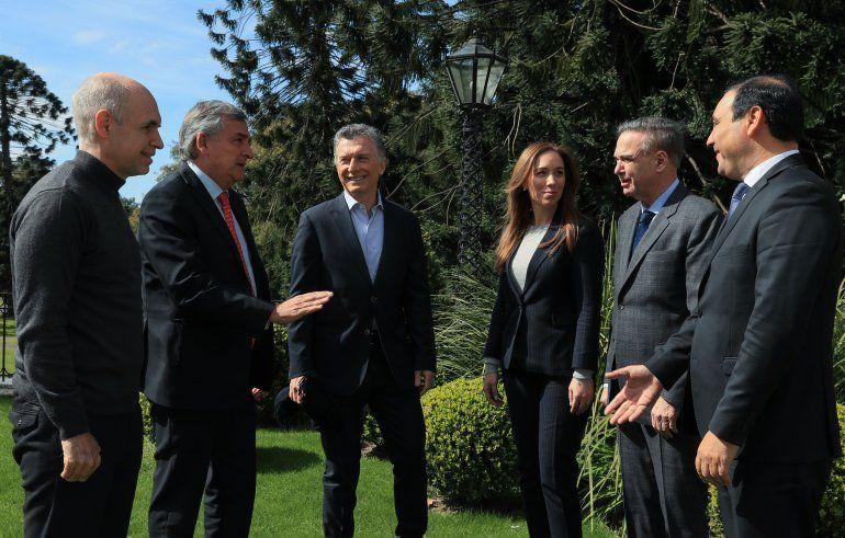 El presidente Macri compartió un almuerzo con gobernadores en Olivo