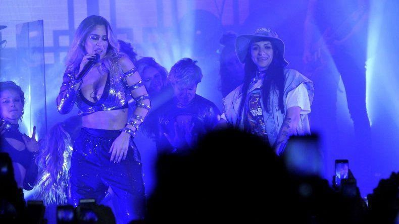 Cazzu la rompió en el show de Jimena Barón en Buenos Aires