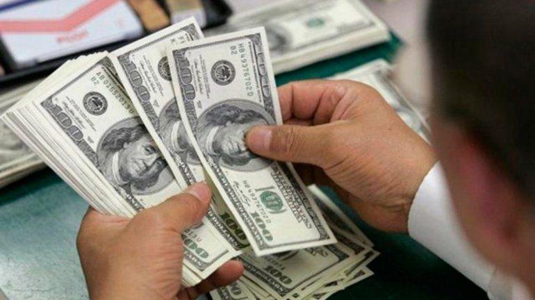 El dólar inició el día en alza pero volvió a bajar y se vende a $59