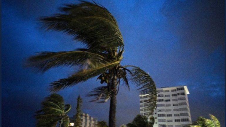 Más de un millón de evacuados en EE.UU. ante la llegada del huracán Dorian