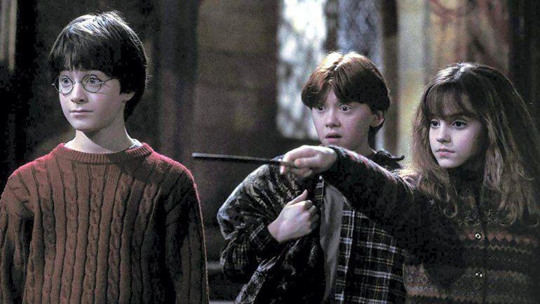 Retiran libros de Harry Potter de una escuela católica porque sus hechizos invocan espíritus malignos