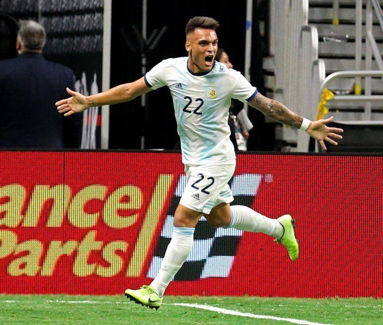 Argentina goleó 4 a 0 a México en un amistoso internacional