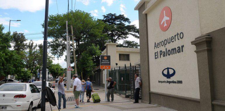 Aeropuerto El Palomar: podría dejar de operar si se concreta el pedido de reducción en los horarios de vuelo