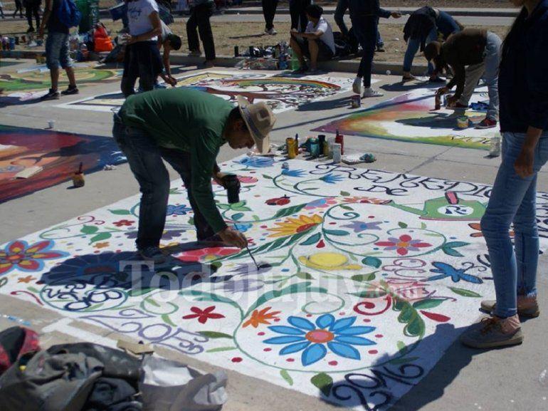Ciudad Cultural comenzó a recibir a los chicos para vivir la tradicional pintada estudiantil