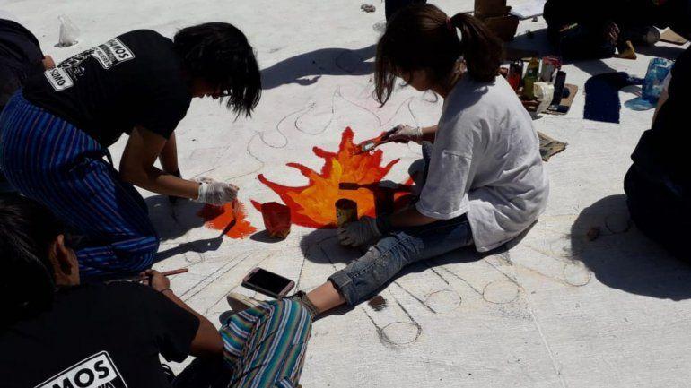 La gran pintada en la avenida de los Estudiantes se vivió a pleno