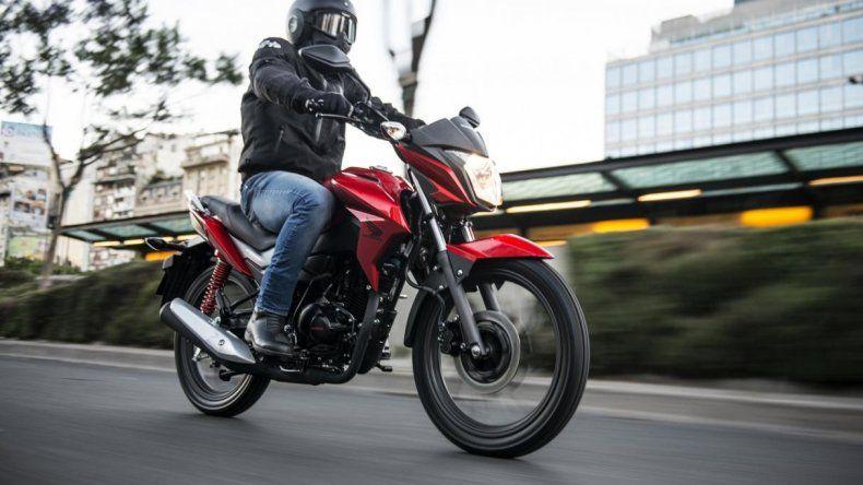 Nueve aspectos a tener en cuenta para circular en moto de manera segura