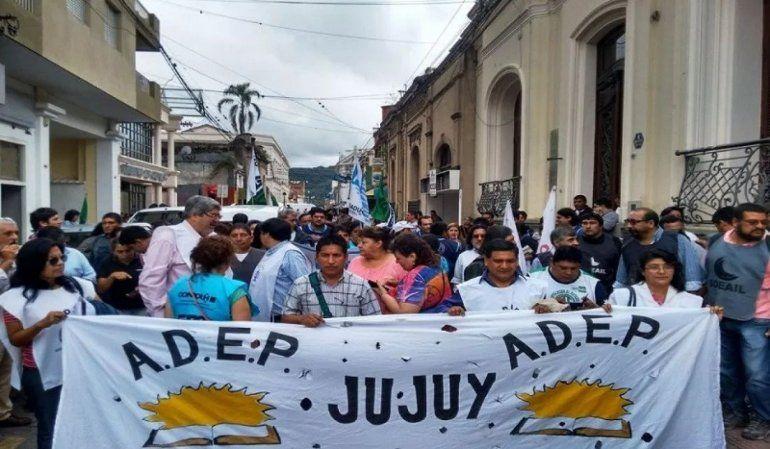 Los maestros jujeños hoy van al paro por la muerte de dos maestras en Chubut