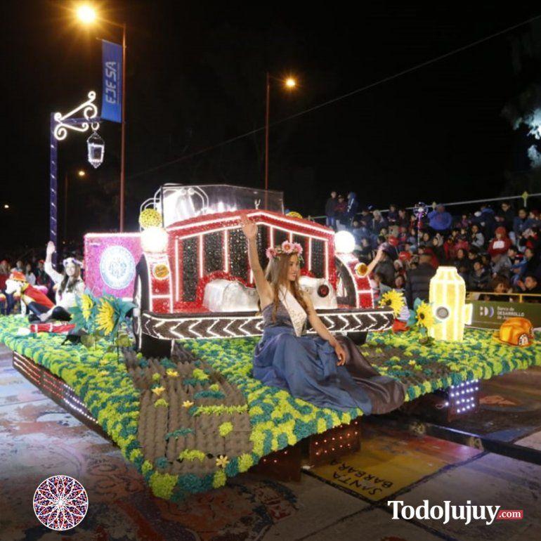 Las carrozas del Grupo B deslumbraron al público en el segundo día de desfile