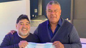 Maradona y Tapia firmaron la paz: comieron un asado y se sacaron una foto