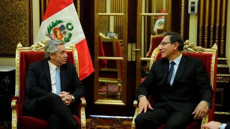 Fernández cerró su gira con el presidente de Perú y coincidieron en la necesidad de fortalecer la región