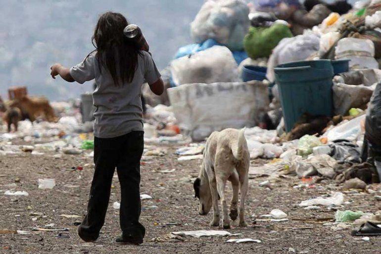 En la Argentina hay 15,9 millones de pobres, según el Indec
