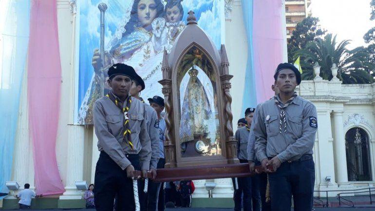 Cientos de jujeños recibieron por primera vez a la Virgen del Valle de Catamarca