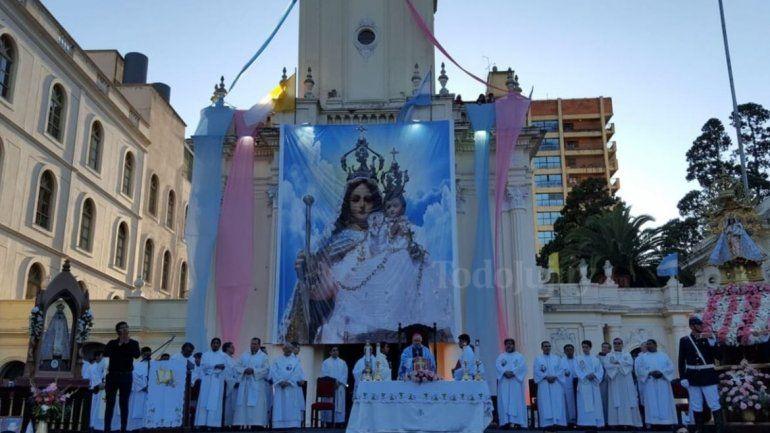Con una multitudinaria procesión y una misa, Jujuy honra a la Virgen de Río Blanco
