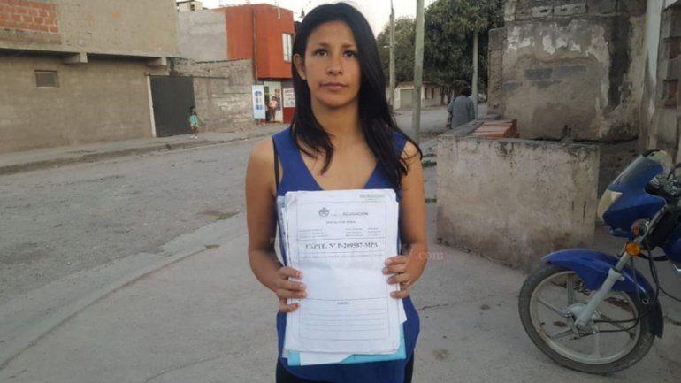 Por una falsa denuncia lleva ocho meses sin poder ver a su hija y exige respuestas