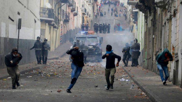 Choques entre policías y manifestantes en Ecuador