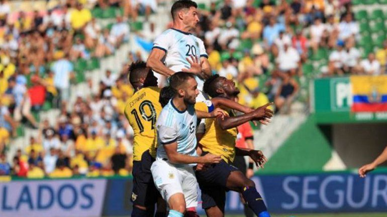 Argentina goleó a Ecuador en el cierre de su gira por Europa