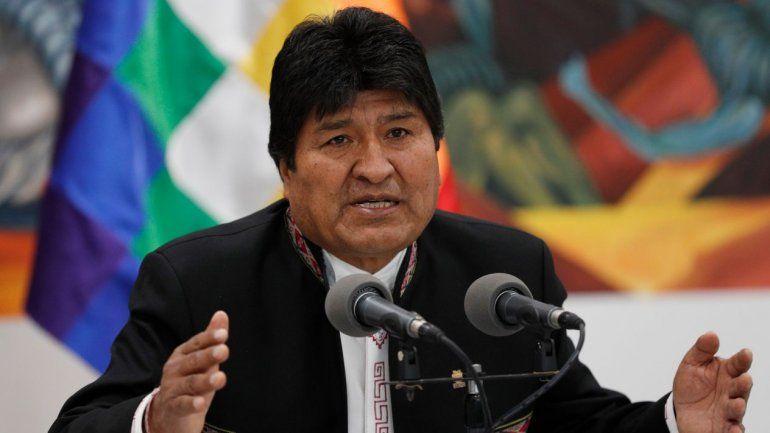 Entre el caos y las denuncias de fraude, Evo llamó a nuevas elecciones en Bolivia
