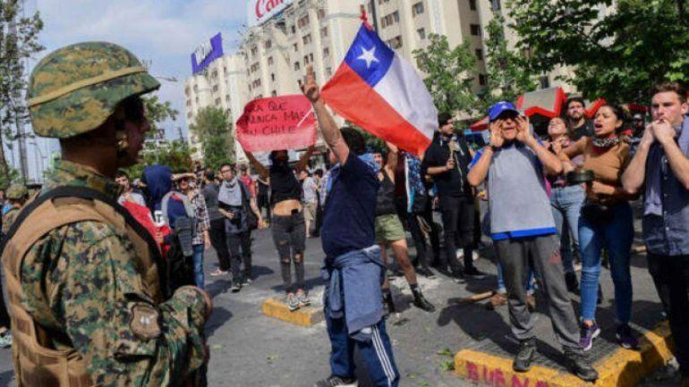 Volvieron a incendiar un centro comercial en las protestas de Chile