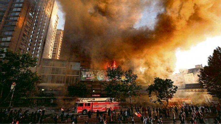 Chile: luego de 11 días de protestas anuncian una nueva movilización y registraron enfrentamientos en las calles