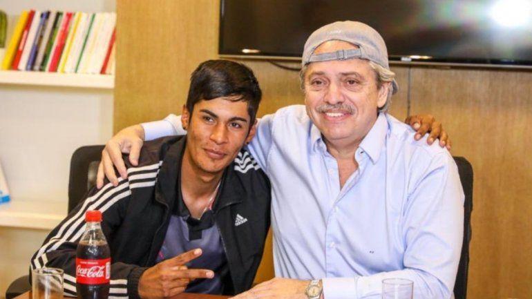 Alberto Fernández se reunió con el joven presidente de mesa discriminado por su apariencia