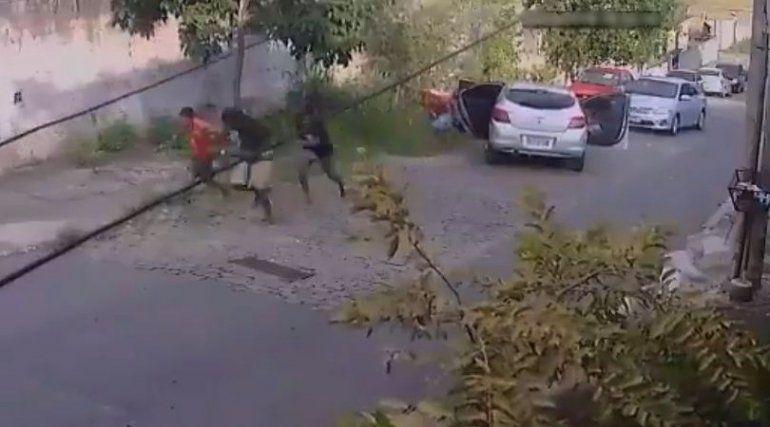 Viral: puso una bocina con sonido de disparos y se salvó de un robo