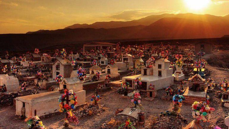 Almas y ofrendas: Jujuy se prepara para rendir culto a sus muertos