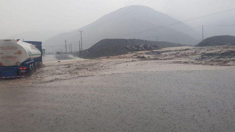 Una fuerte lluvia produjo un corte total sobre Ruta 9 a la altura de Volcán