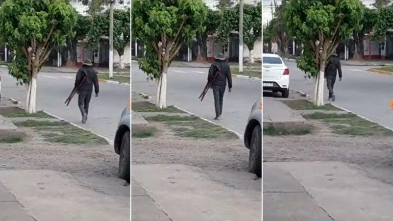 Tucumán: usaba muletas para pedir limosnas y lo encontraron caminando sin problemas