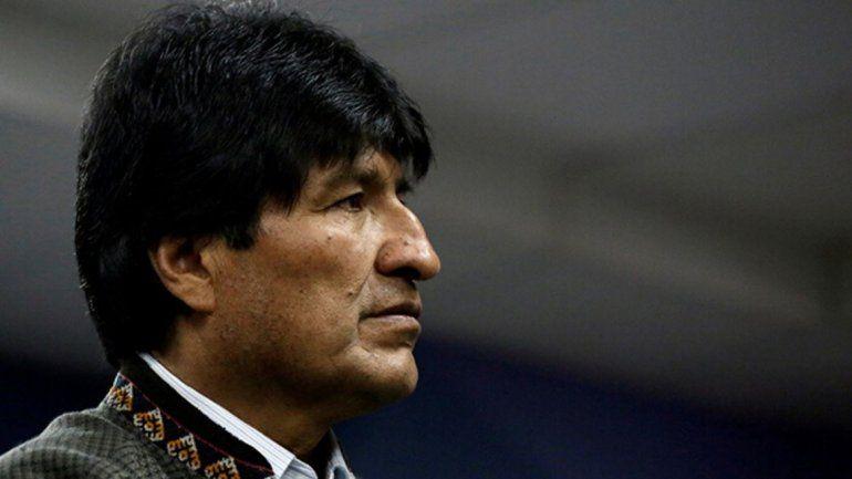 Evo Morales viajó a Cuba y aseguran que la semana que viene se instalaría en Argentina