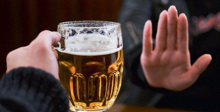 Alcohol en cuarentena: un estudio asegura que los jóvenes redujeron el consumo
