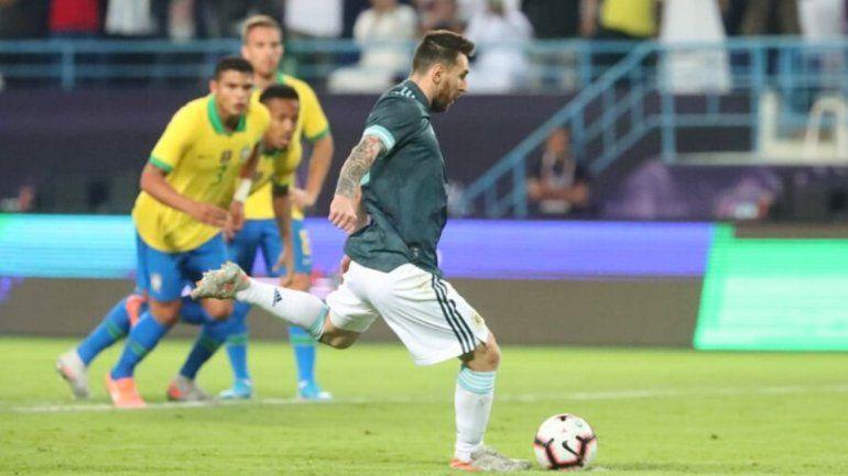 Con un gol de Messi, Argentina superó a Brasil