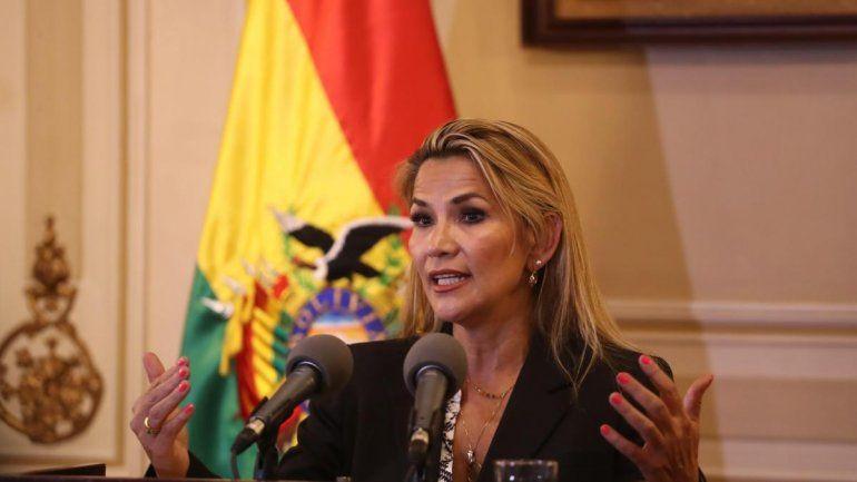 Bolivia: Añez presentó la ley de elecciones generales 2020