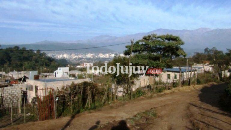 Intiman a desalojar asentamientos de Campo Verde porque podría desmoronarse el cerro