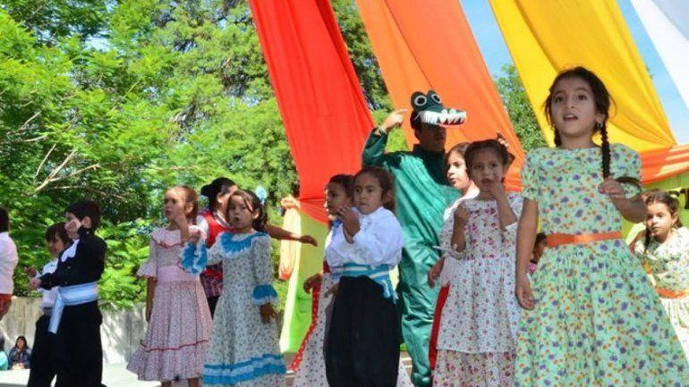 Es ley: enseñarán folclore en todas las escuelas del país